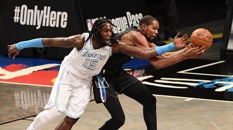 Brooklyn Nets forward Kevin Durant can't reach a