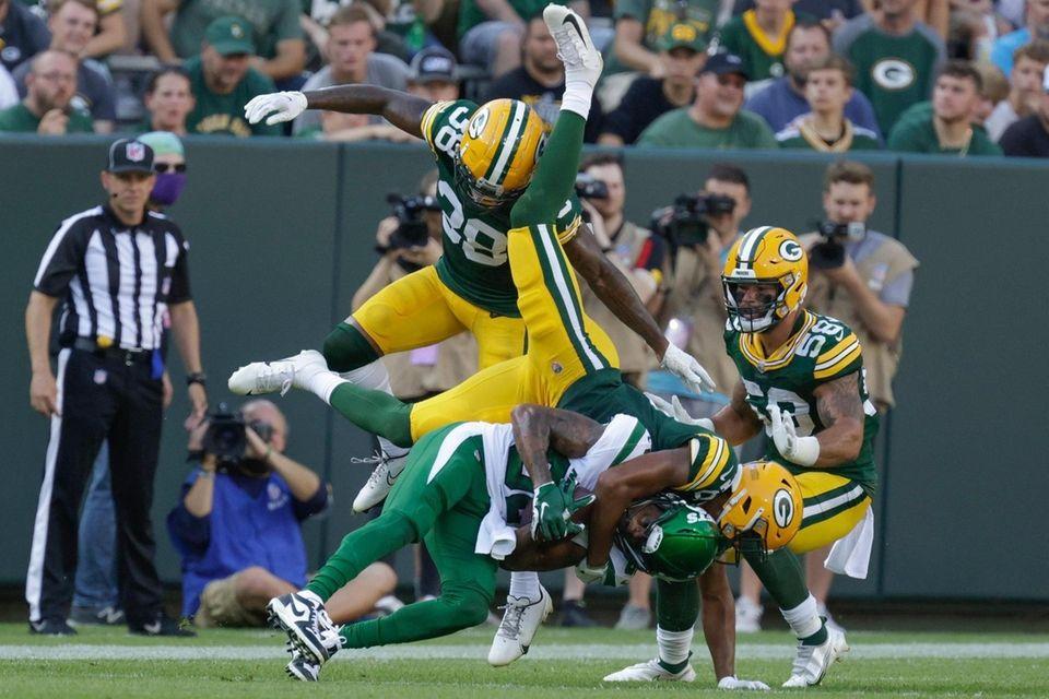 Green Bay Packers' Bronson Kaufusi stops New York