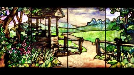 The Neustadt Collection of Tiffany Glass aims to