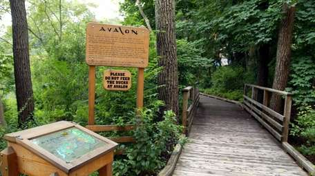 The entrance to Avalon Park and Nature Preserve