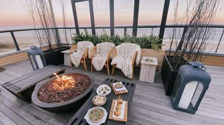 Gurney's Montauk has outdoor dining with fire pits