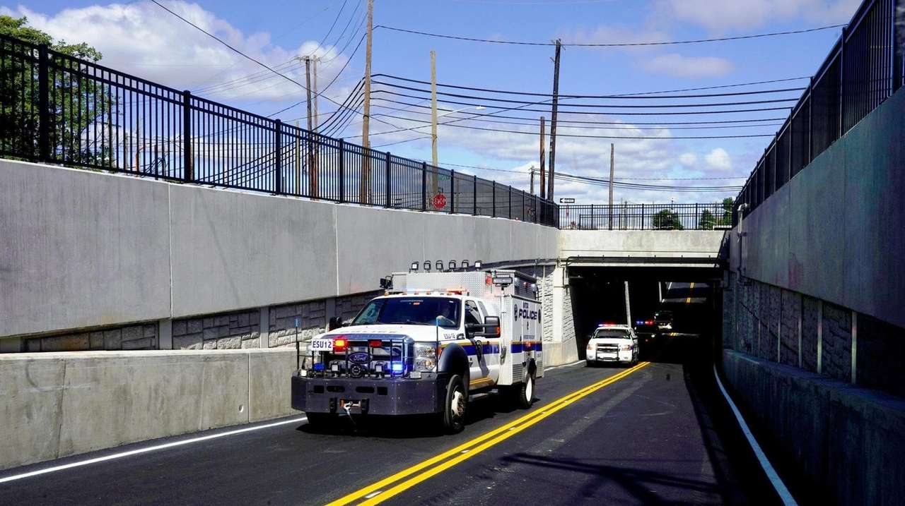 LIRR officials said the work on Willis Avenue