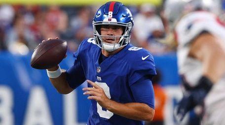 Daniel Jones of the Giants looks to pass