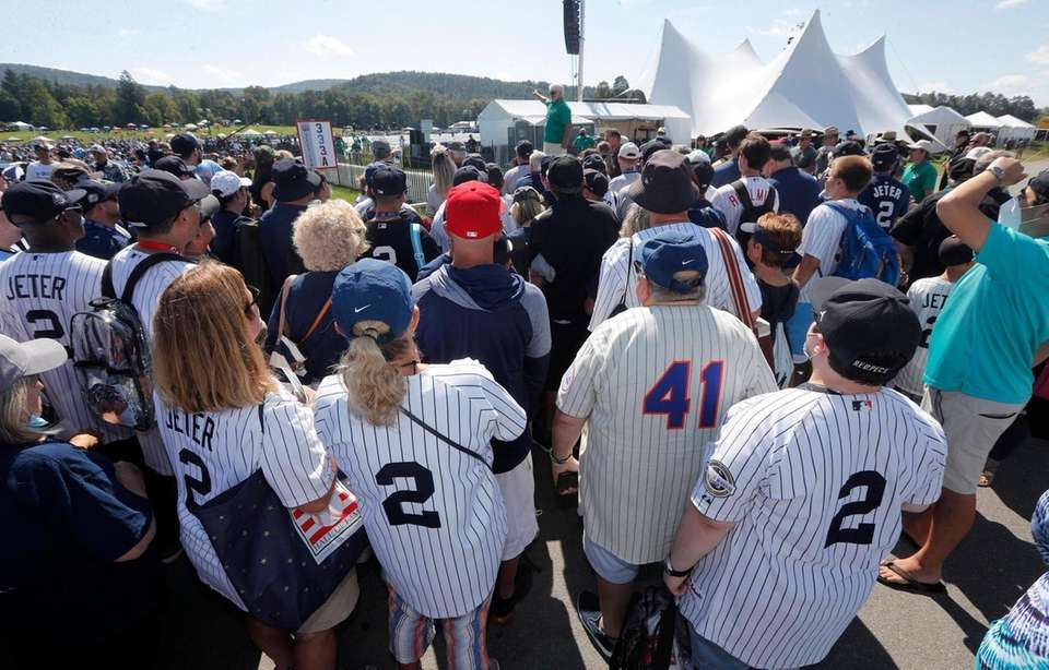 Fans arrive for the Baseball Hall of Fame