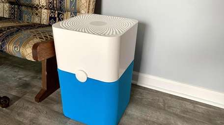 Blueair Blue Pure weighs only 13 pounds and