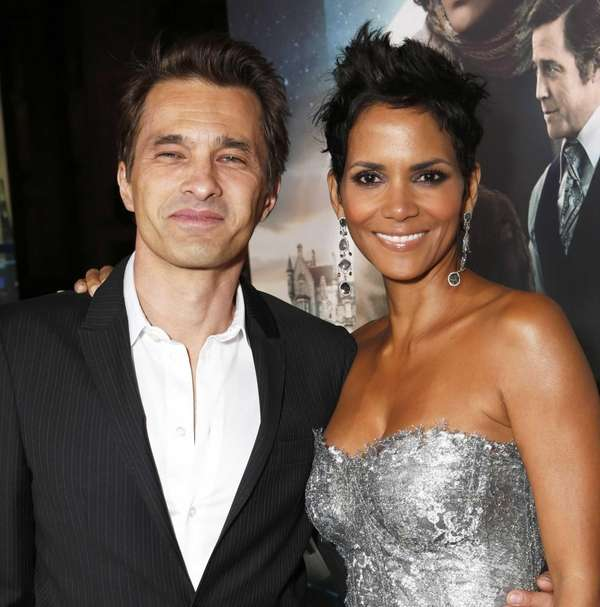 Olivier Martinez and Halle Berry at the Los