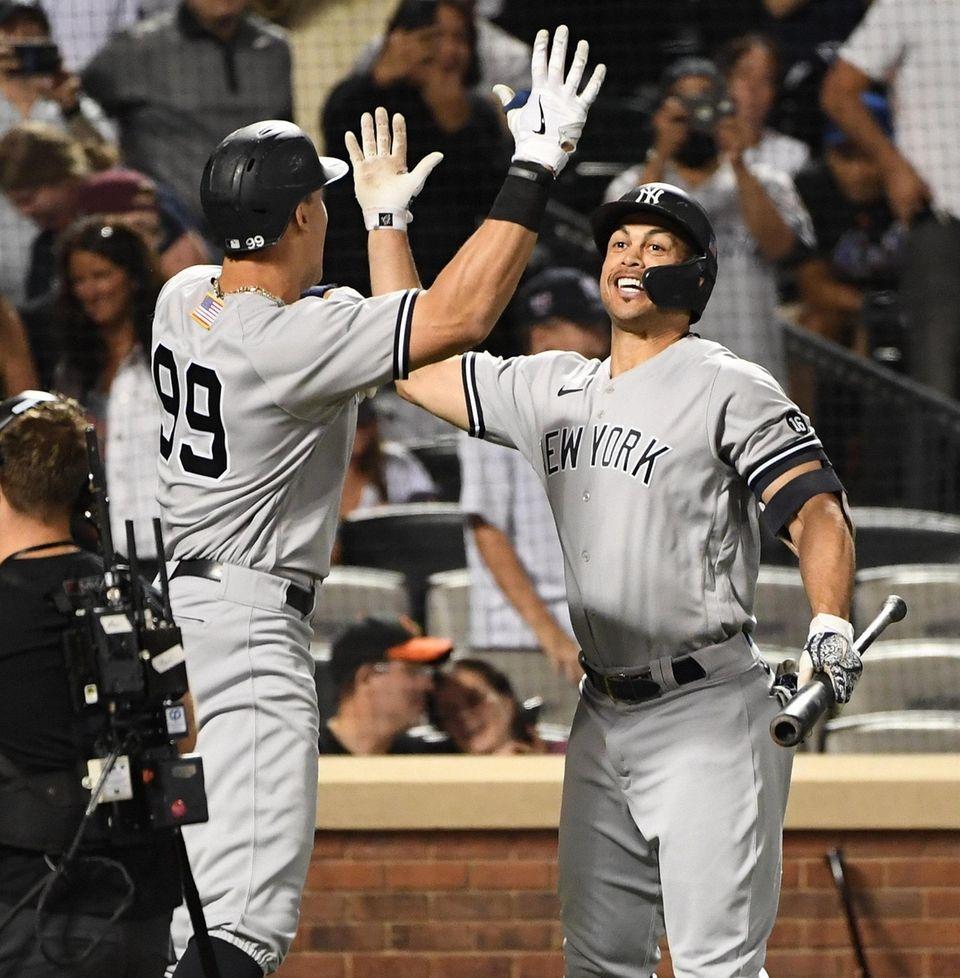 New York Yankees right fielder Aaron Judge is