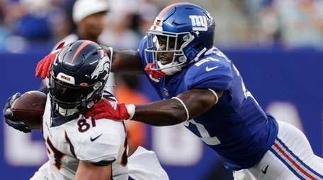 The Giants' Logan Ryan and Jabrill Peppers tackle