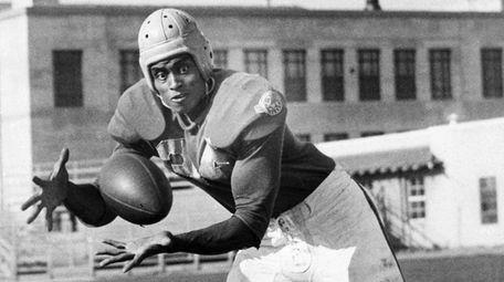 The Los Angeles Rams' Woody Strode in 1946.