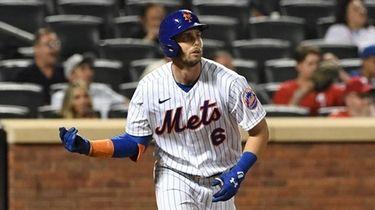 Mets leftfielder Jeff McNeil runs on his solo