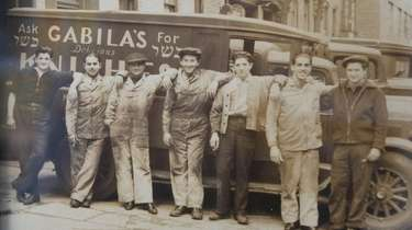 A vintage photo of a Gabila's Knishes truck