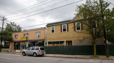 A proposal to redevelop the property at 733-741