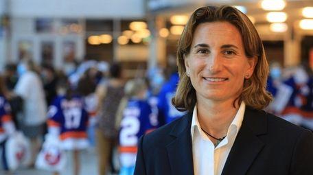 Alexis Moed, president/founder of the Girls Elite Hockey