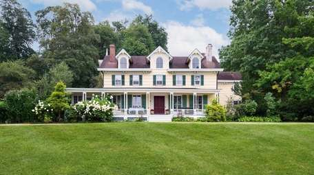 Built in the 1700s as a farmhouse, the