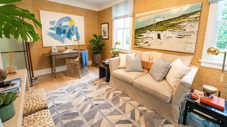 For the showhouse study, Barbara Page Glatt and