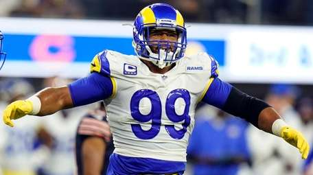 Los Angeles Rams defensive end Aaron Donald against