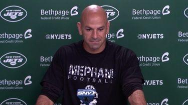 Jets head coach Robert Saleh wears a Mepham