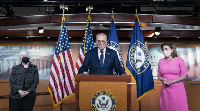 Senate Majority Leader Chuck Schumer (D-N.Y.) speaks during
