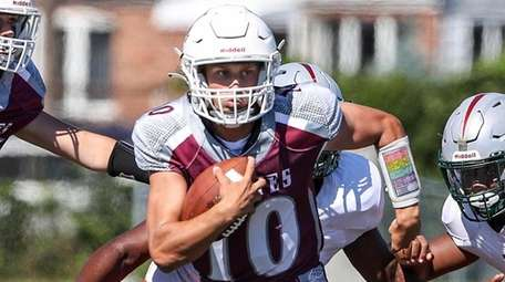 Mepham's Nick Honerkamp finished with seven touchdowns --