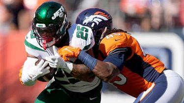 New York Jets running back Ty Johnson is
