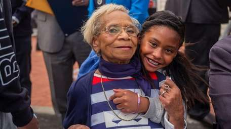 Dolores Thompson and her great-granddaughter Christina Rodriguez.