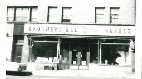 An undated photo of Brothers All Market.