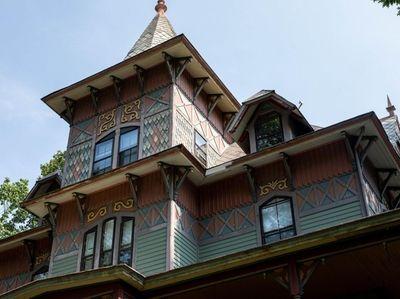 A historic home on Central Avenue in Sea