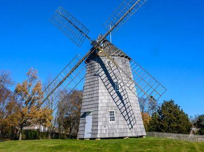 The Hook Windmill, built by Nathaniel Dominy V.,