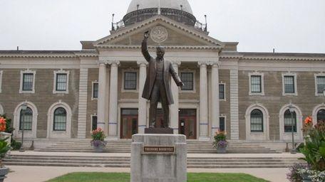 Nassau County Executive Laura Curran will sign legislation