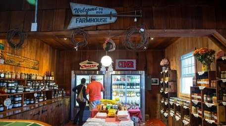 The farm stand at Hallock's Cider Mill in