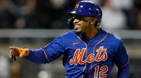 Francisco Lindor of the New York Mets reacts