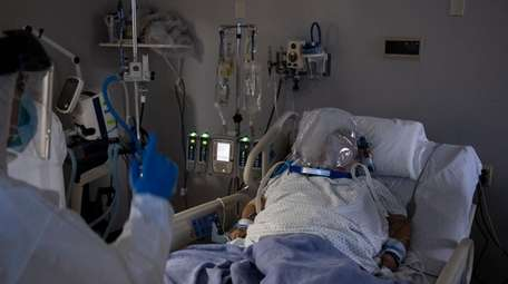 A patient in the COVID-19 intensive care unit