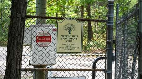 Entrance to the Peconic River Sportsman's Club on