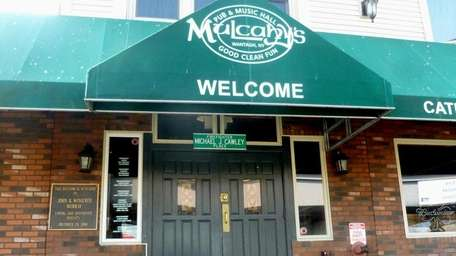 The doorway of Mulcahy's Pub and Concert Hall