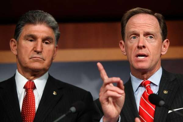 Sen. Pat Toomey (R-PA), right, and Sen. Joe
