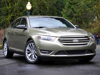 Prices for the 2013 Ford Taurus start at