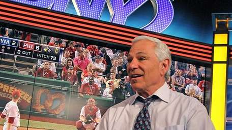 Bobby Valentine analyzes the Mets-Phillies game for SNY.