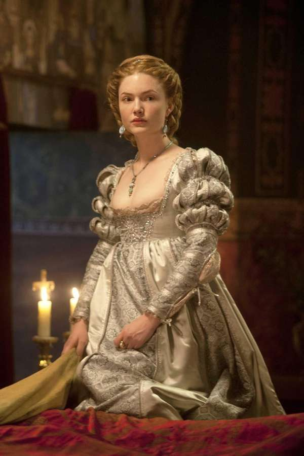 "Holliday Grainger as Lucrezia Borgia in ""The Borgias"""