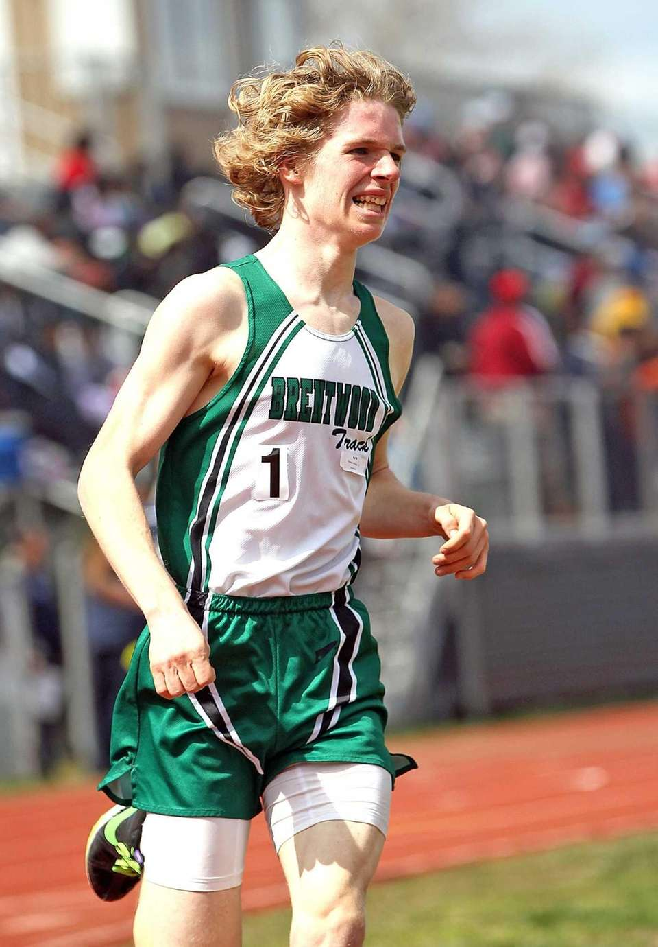 Brentwood's Seamus Maloney takes first in the boys