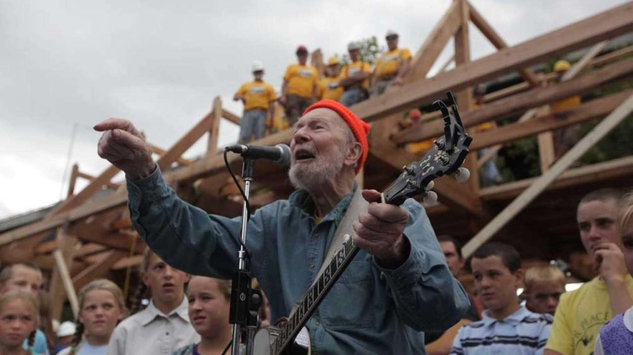 Late folk singer Pete Seeger was a longtime