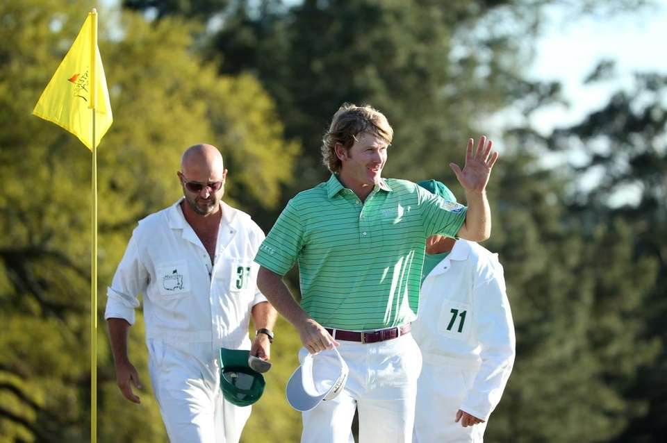 Brandt Snedeker waves to the crowd on the