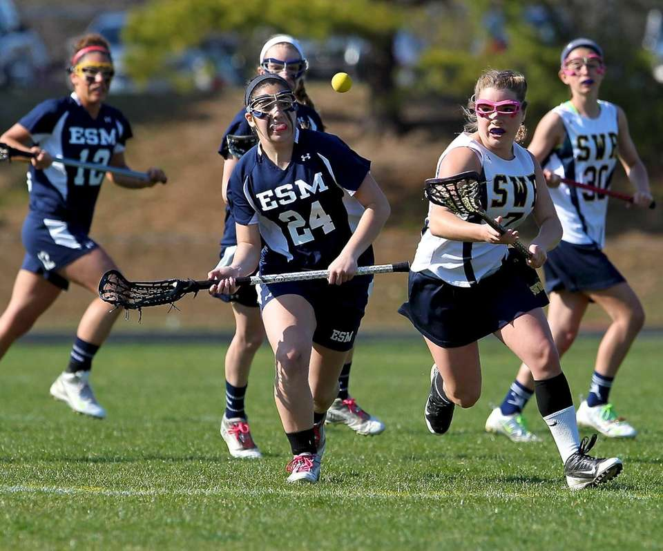 Eastport's Laura Kesnig and Shoreham's Rachel Steimel go