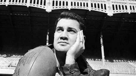 Pat Summerall, the Giants kicker, poses with his