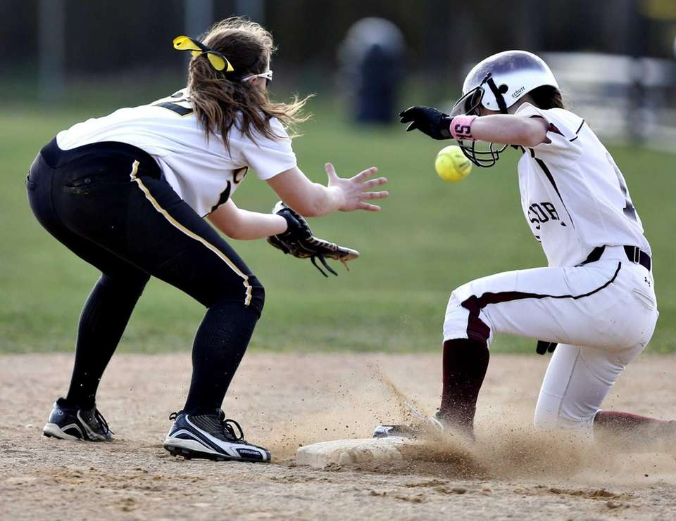 Bay Shore's Rhianna Paoletti beats the throw to