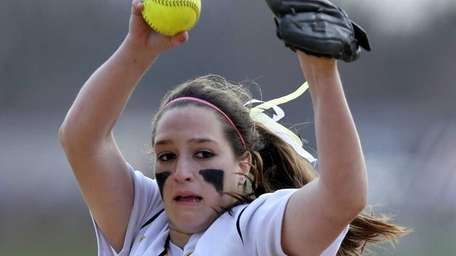 Commack starting pitcher Kiersten Carlomagno delivers a pitch