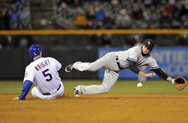 Mets' David Wright steals second as Colorado Rockies