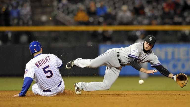 Mets' David Wright steals second as Colorado Rockies