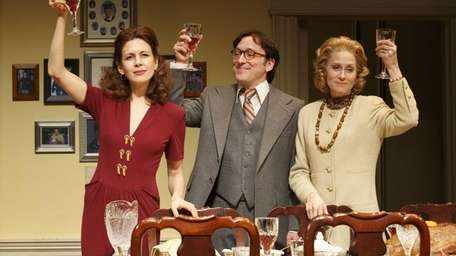 From left, Jessica Hecht as Julie, Jeremy Shamos
