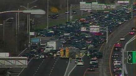 A traffic-camera image of the westbound lanes of