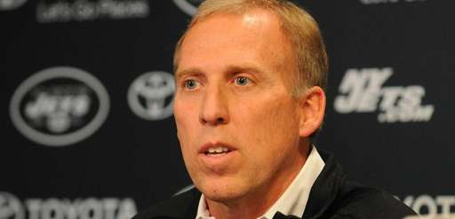 Jets general manager John Idzik speaks during a